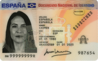 Documento Nacional de Identidad 26x32 mm (2.6x3.2 cm)